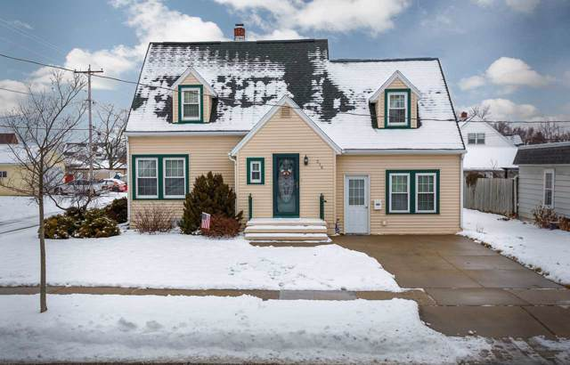 316 E 1ST Street, Kimberly, WI 54136 (#50216028) :: Todd Wiese Homeselling System, Inc.