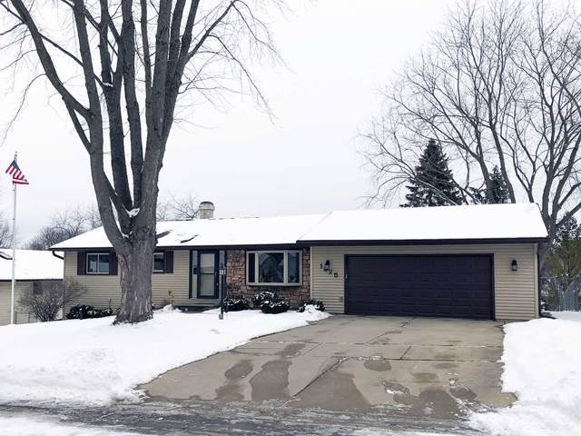 1325 Mirage Drive, Green Bay, WI 54313 (#50216057) :: Todd Wiese Homeselling System, Inc.