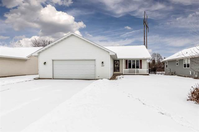 2229 High Meadows Lane, Neenah, WI 54956 (#50216087) :: Dallaire Realty