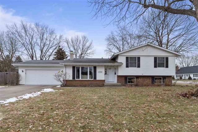 1098 Eden Drive, Neenah, WI 54956 (#50216096) :: Dallaire Realty