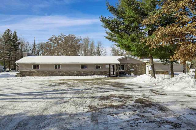 E2585 Southwood Drive, Waupaca, WI 54981 (#50216260) :: Todd Wiese Homeselling System, Inc.