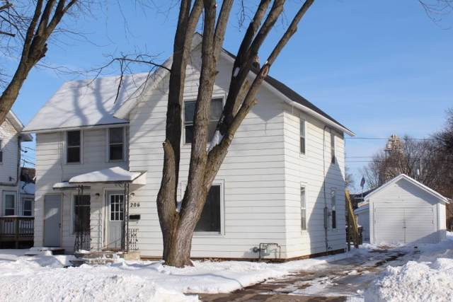 206 S Lincoln Street, Shawano, WI 54166 (#50216351) :: Todd Wiese Homeselling System, Inc.
