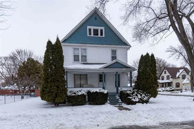 322 Hewitt Street, Neenah, WI 54956 (#50216374) :: Todd Wiese Homeselling System, Inc.