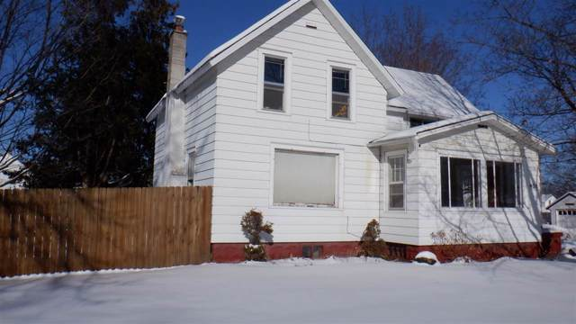 401 W Green Bay Street, Shawano, WI 54166 (#50216382) :: Todd Wiese Homeselling System, Inc.