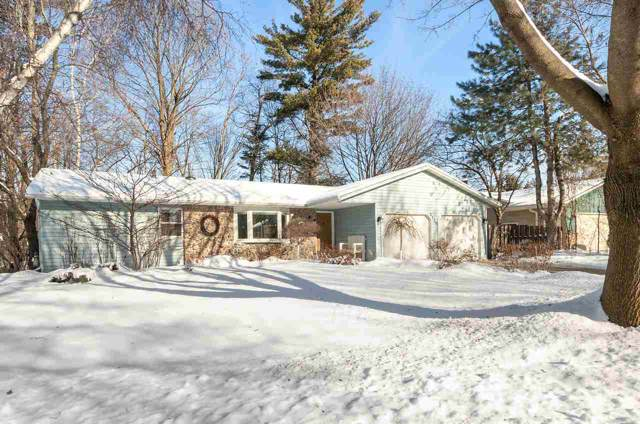2110 Ironwood Drive, Green Bay, WI 54304 (#50216383) :: Dallaire Realty