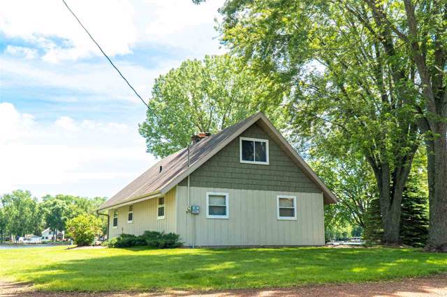 8966 Marion Lane, Fremont, WI 54940 (#50216403) :: Todd Wiese Homeselling System, Inc.