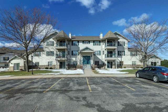 W6143 Victorian Drive, Appleton, WI 54915 (#50216415) :: Todd Wiese Homeselling System, Inc.