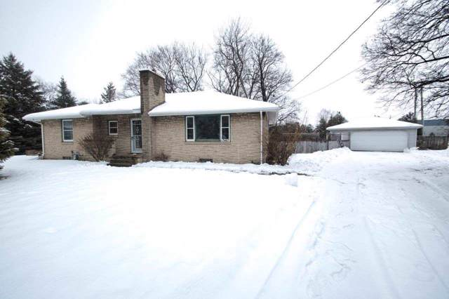 W3465 Newberry Street, Appleton, WI 54915 (#50216478) :: Todd Wiese Homeselling System, Inc.