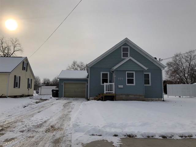 800 W Beacon Street, New London, WI 54961 (#50216612) :: Todd Wiese Homeselling System, Inc.