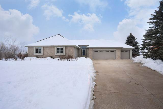 W8088 Hillcrest Court, Hortonville, WI 54944 (#50216674) :: Todd Wiese Homeselling System, Inc.