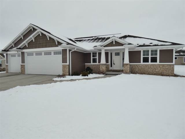 2137 Ryan Road, De Pere, WI 54115 (#50216700) :: Todd Wiese Homeselling System, Inc.