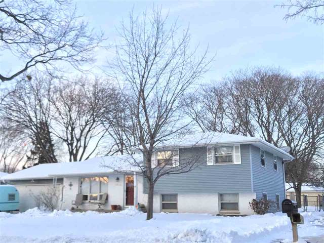 1102 Valley View Road, Green Bay, WI 54304 (#50216789) :: Symes Realty, LLC