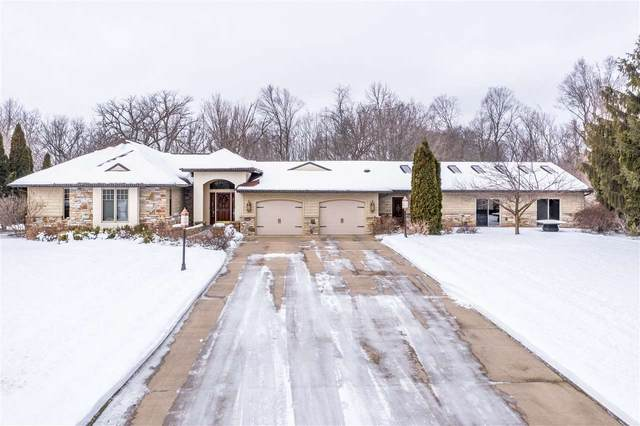 106 Edgewood Lane, Combined Locks, WI 54113 (#50216931) :: Dallaire Realty