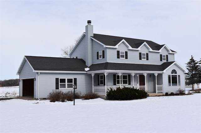 W13273 Penny Lane, Ripon, WI 54971 (#50216980) :: Todd Wiese Homeselling System, Inc.