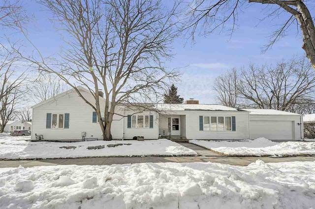 813 N Buchanan Street, Green Bay, WI 54303 (#50217002) :: Todd Wiese Homeselling System, Inc.