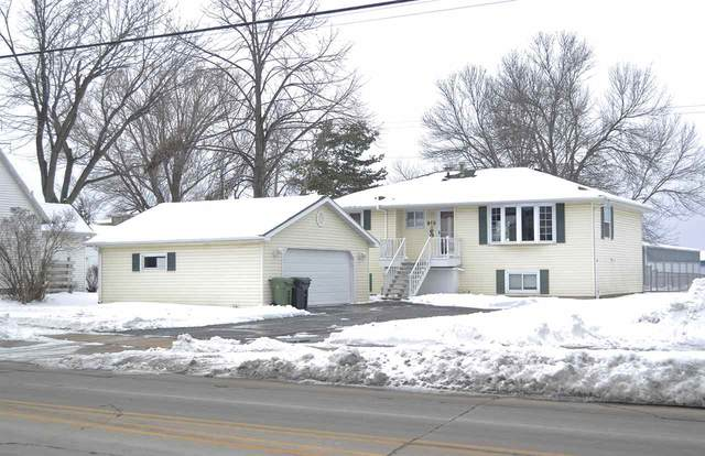 812 S Railroad Street, Kimberly, WI 54136 (#50217062) :: Todd Wiese Homeselling System, Inc.