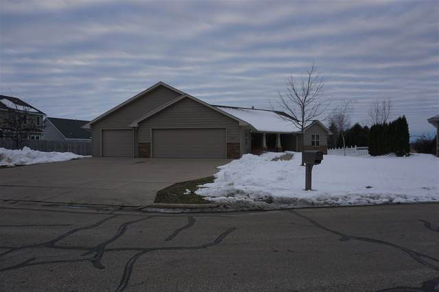 1044 Tahoe Court, Menasha, WI 54952 (#50217102) :: Dallaire Realty