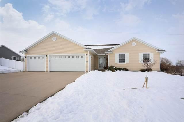 N1990 Swanee Circle, Greenville, WI 54942 (#50217135) :: Todd Wiese Homeselling System, Inc.