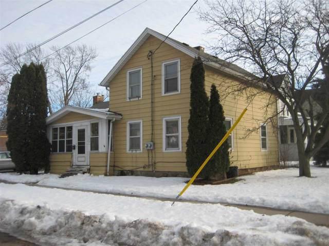 301 1ST Street, Menasha, WI 54952 (#50217140) :: Todd Wiese Homeselling System, Inc.