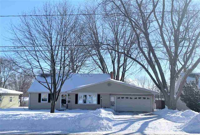 1525 S Ridge Road, Green Bay, WI 54304 (#50217152) :: Todd Wiese Homeselling System, Inc.