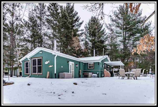 E2616 Southwood Drive, Waupaca, WI 54981 (#50217173) :: Todd Wiese Homeselling System, Inc.