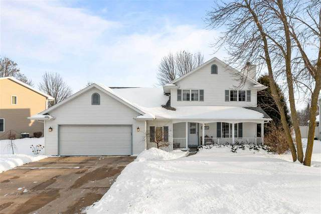 1517 Lucerne Drive, Menasha, WI 54952 (#50217310) :: Todd Wiese Homeselling System, Inc.