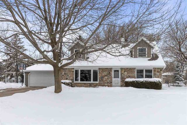 2401 Omega Drive, Appleton, WI 54915 (#50217314) :: Todd Wiese Homeselling System, Inc.