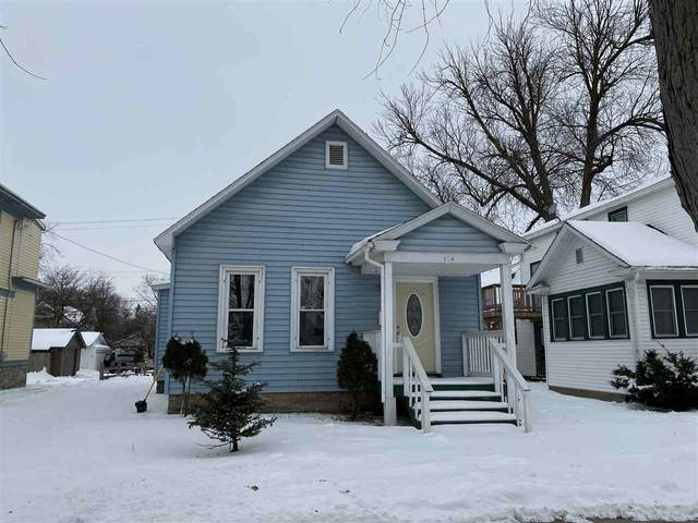 304 S Maple Avenue, Green Bay, WI 54303 (#50217514) :: Todd Wiese Homeselling System, Inc.