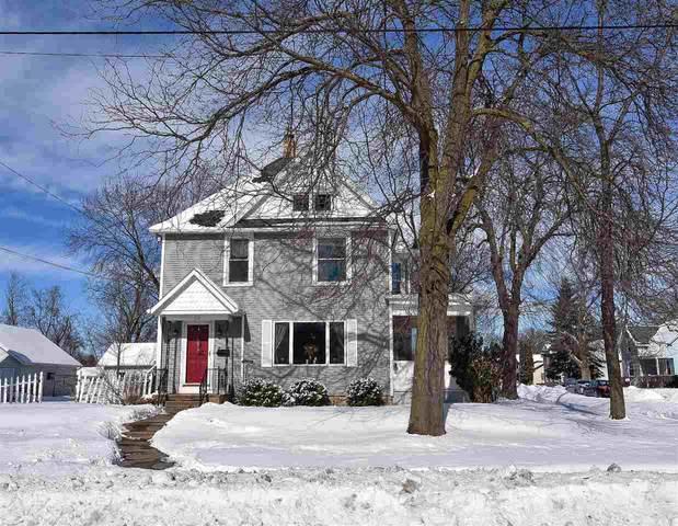 904 W New York Avenue, Oshkosh, WI 54901 (#50217541) :: Todd Wiese Homeselling System, Inc.