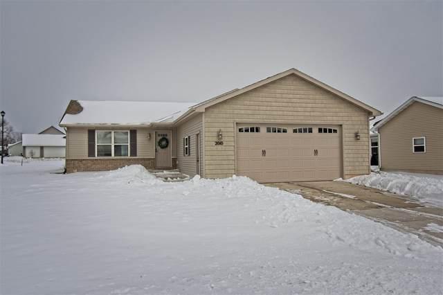 2010 Sweetbriar Lane, Menasha, WI 54952 (#50217562) :: Todd Wiese Homeselling System, Inc.