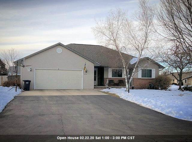 W6730 Fairlane Drive, Greenville, WI 54942 (#50217566) :: Todd Wiese Homeselling System, Inc.