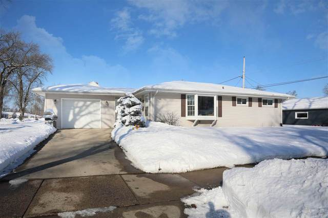 275 S Helen Street, Kimberly, WI 54136 (#50217569) :: Todd Wiese Homeselling System, Inc.