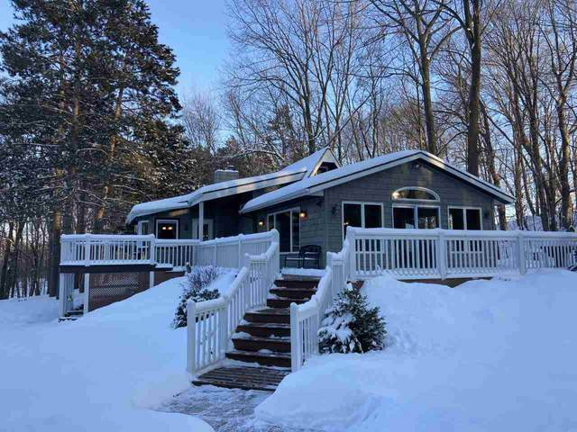 N5060 Laird Road, Shiocton, WI 54170 (#50217581) :: Todd Wiese Homeselling System, Inc.