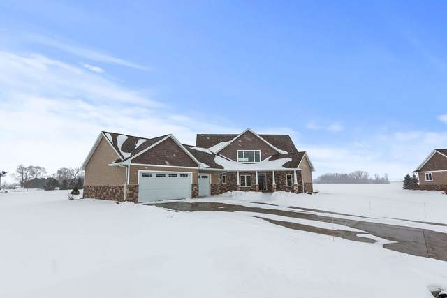 W2721 Moon Dance Drive, Kaukauna, WI 54130 (#50217589) :: Todd Wiese Homeselling System, Inc.