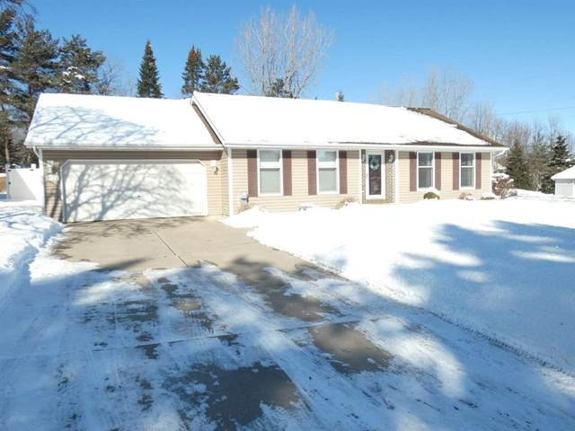 2704 Sunray Lane, Green Bay, WI 54313 (#50217628) :: Todd Wiese Homeselling System, Inc.