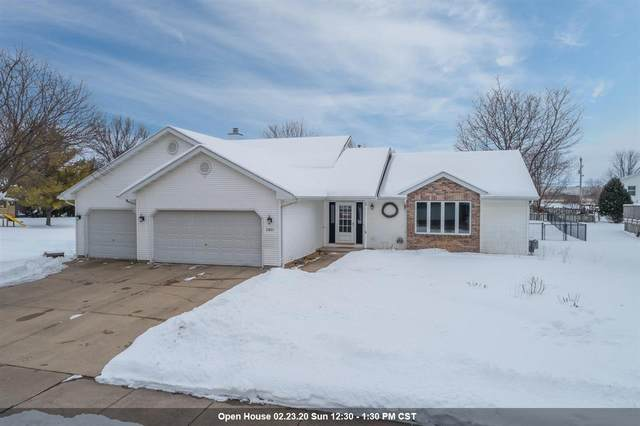 2851 Montclair Place, Oshkosh, WI 54904 (#50217665) :: Todd Wiese Homeselling System, Inc.