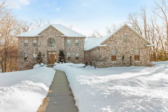 2957 S Telemark Circle, Green Bay, WI 54313 (#50217709) :: Todd Wiese Homeselling System, Inc.