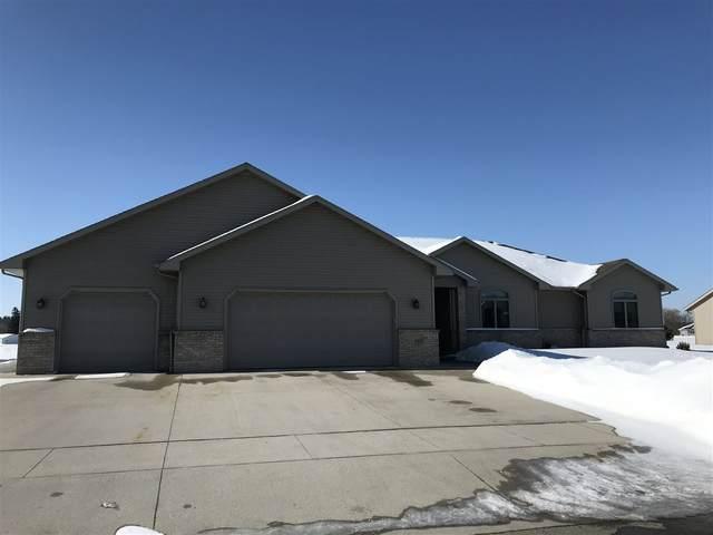 413 Ridgeway Drive, Brillion, WI 54110 (#50217742) :: Todd Wiese Homeselling System, Inc.