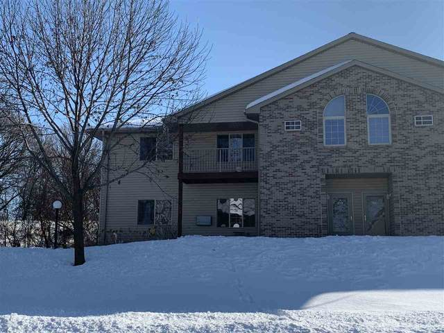 335 Starkweather Drive, Beaver Dam, WI 53916 (#50217750) :: Todd Wiese Homeselling System, Inc.