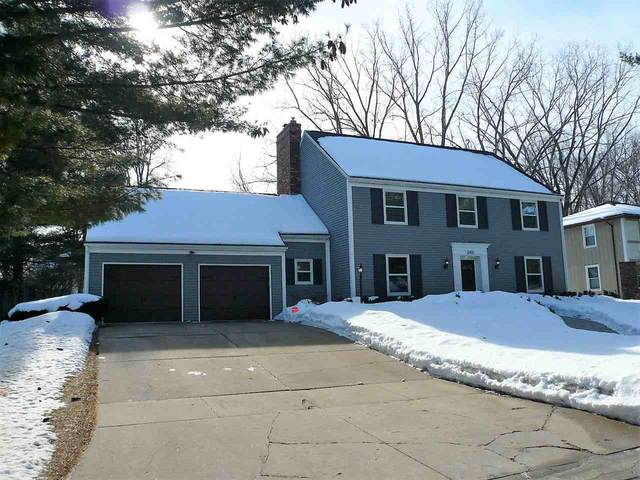 2455 Parkwood Drive, Green Bay, WI 54304 (#50217818) :: Todd Wiese Homeselling System, Inc.
