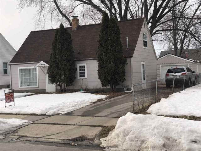 1608 S Norwood Avenue, Green Bay, WI 54304 (#50217845) :: Todd Wiese Homeselling System, Inc.