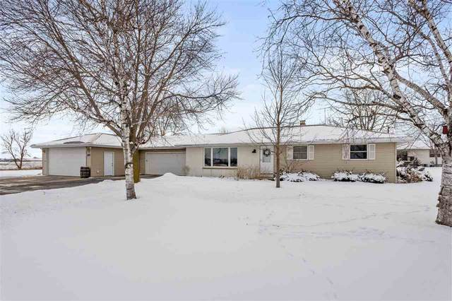 3401 Crooks Avenue, Kaukauna, WI 54130 (#50218133) :: Todd Wiese Homeselling System, Inc.