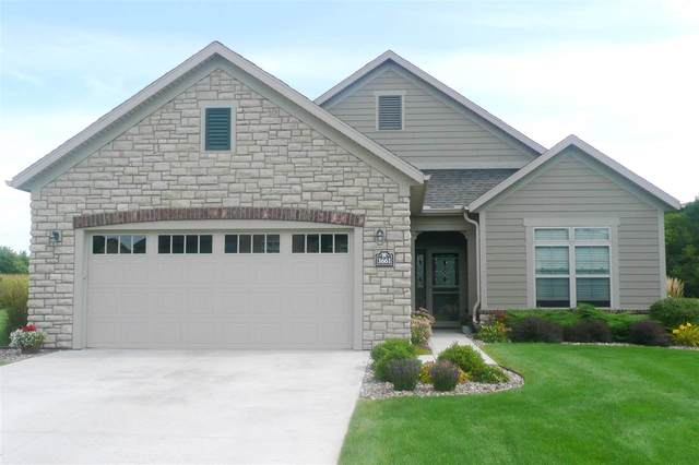 3661 Woods Edge Way, De Pere, WI 54115 (#50218197) :: Todd Wiese Homeselling System, Inc.