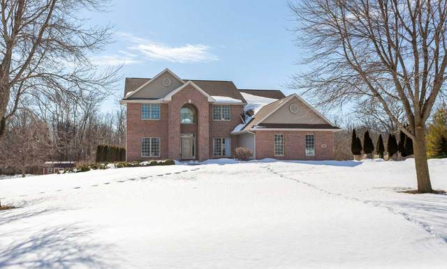 3557 Golf Wood Drive, Neenah, WI 54956 (#50218275) :: Todd Wiese Homeselling System, Inc.