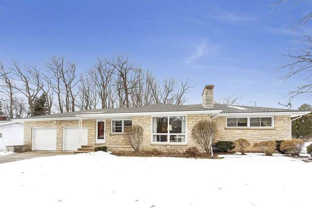 500 Wesley Avenue, Green Bay, WI 54302 (#50218318) :: Todd Wiese Homeselling System, Inc.