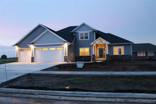 1127 Applewood Drive, De Pere, WI 54115 (#50218423) :: Todd Wiese Homeselling System, Inc.