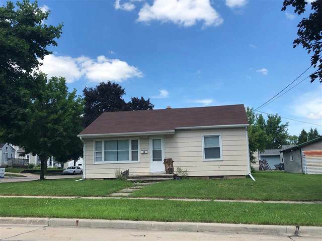 220 W 3RD Street, Kimberly, WI 54136 (#50218424) :: Dallaire Realty