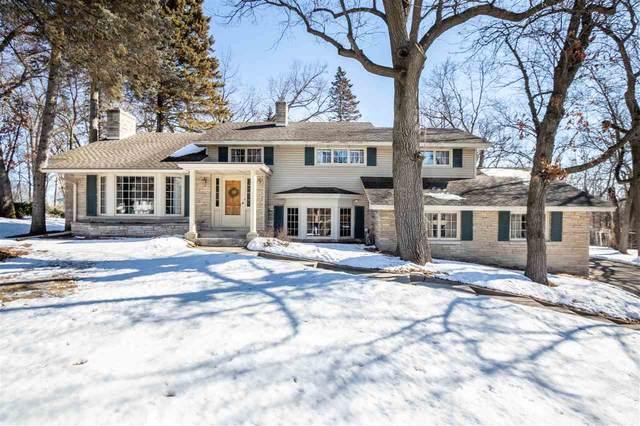 2631 Oakwood Avenue, Green Bay, WI 54301 (#50218530) :: Todd Wiese Homeselling System, Inc.