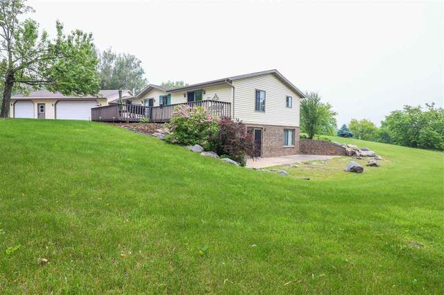 E3392 Mountain View Lane, Waupaca, WI 54981 (#50218619) :: Todd Wiese Homeselling System, Inc.