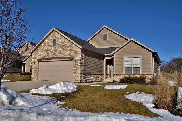 3667 Woods Edge Way, De Pere, WI 54115 (#50218679) :: Todd Wiese Homeselling System, Inc.